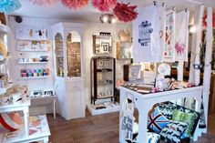 There are many independent shops in Edinburgh offering something unique and special this Christmas. In the mad rush to fill stockings and pile presents under the tree it's often hard to find the time to shop around, so here...