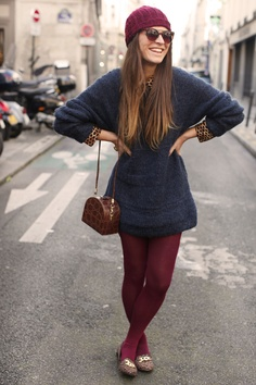 I just got 7 new pairs of tights that are all totally different colours.finding adorable outfits for them now :) Geek Chic Outfits, Girl Outfits, Casual Outfits, Fashion Outfits, Autumn Fashion, Colored Tights Outfit, Coloured Tights, Brown Tights, Pantyhose Outfits