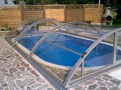 Zastřeště si vlastní bazén