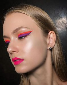Should you are trying to find a way for you to make your eyes pop, then you might like to contemplate a whole new eyeliner approach. You will find many alternative eyeliner Suggestions that can def… Makeup Inspo, Makeup Art, Makeup Tips, Beauty Makeup, Hair Makeup, Makeup Ideas, Retro Eye Makeup, Makeup Products, Clown Makeup