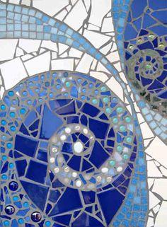 waves Mosaic Vase, Mosaic Flower Pots, Mosaic Wall Art, Mosaic Diy, Mosaic Garden, Mosaic Crafts, Mosaic Projects, Mosaic Tiles, Tiling