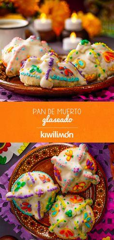 Ve preparándote para el Día de Muertos con este espectacular Pan de Muerto Glaseado. La receta de este delicioso pan está hecha con nata, ingrediente que le da un rico sabor y una textura esponjosa. El glaseado es muy fácil de hacer, ya que la base es azúcar glass.   Lo mejor de este Pan de Muerto Glaseado es que decorará tu Altar de Muertos de forma muy colorida y original. Mexican Dessert Recipes, Mexican Dishes, Bakery Recipes, Cookie Recipes, Fall Recipes, Holiday Recipes, Sweet Bread, Mini Cakes, Let Them Eat Cake