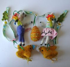 Miss Bumbles Hand Made British Wool, Needle Felted Easter Garland. LOVE, LOVE, LOVE :o)