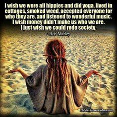 dreads and peaceful beaches. how boho. Hippie Love, Hippie Chick, Hippie Bohemian, Vintage Hippie, Bohemian Beach, Boho Gypsy, Bohemian Style, Bob Marley, Dreads Girl