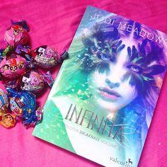 Finalizando a trilogia ❤️ com muito doce e vamos ler!! #editoravalentina #book…
