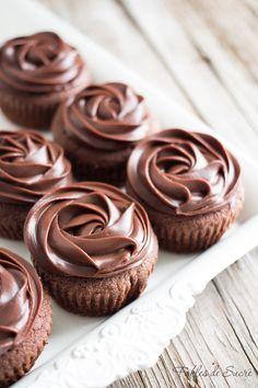 Cupcakes, Cupcake Cookies, Mini Desserts, Sweet Desserts, Best Chocolate, Chocolate Recipes, Cake Recipes, Dessert Recipes, Ganache Frosting
