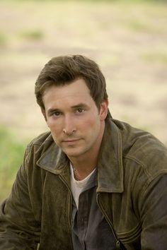 Noah Wyle - The Librarian, Falling Skies Mark Of The Lion, King Solomon's Mines, Noah Wyle, Emergency Doctor, Falling Skies, A Writer's Life, Best Tv, Celebrity Crush, Actresses