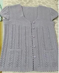 Daha fazla bilgi için gönderiyi ziyaret edin. Embroidery Suits Design, Diy And Crafts, Knitting, Sweaters, Fashion, Knits, Sweater Vests, Breien, Moda