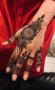 Most Original Henna Tattoo Designs for the Year 2019 - Page 33 of 42 - Tattoo Go! Indian Henna Designs, Finger Henna Designs, Henna Art Designs, Mehndi Designs For Girls, Mehndi Designs 2018, Mehndi Designs For Beginners, Stylish Mehndi Designs, Mehndi Designs For Fingers, Mehndi Design Pictures