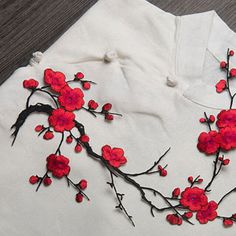 P-amp-T-Embroidered-Plum-Blossom-Flower-Patch-Iron-Sew-on-Applique-Motif-Craft