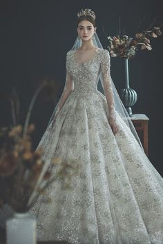 25 disney wedding dresses for fairy bridal look 16 Disney Wedding Dresses, Wedding Dress Trends, Modest Wedding Dresses, Princess Wedding Dresses, Bridal Dresses, Couture Wedding Gowns, Cinderella Wedding, Ball Dresses, Ball Gowns