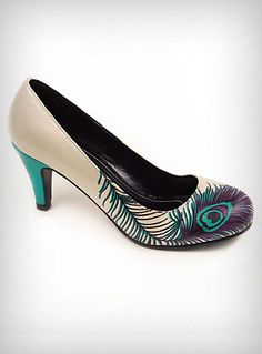 Pretty Peacock Feather Pumps | PLASTICLAND