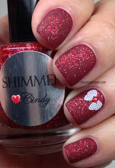 Colores de Carol red glitter nails