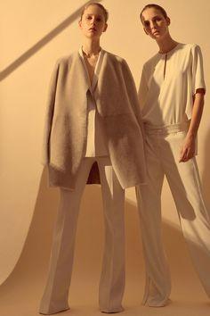 Theory Fall 2016 Ready-to-Wear Fashion Show - Waleska Gorczevski, Maria Zakrzewska