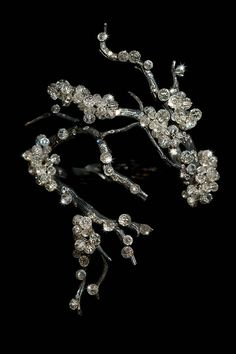 Jewels by Jar: Over 400 pieces of jewelry by Joel A. Rosenthal are now on display at MMoA