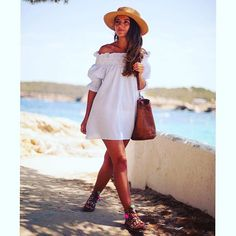 Perfect for a holiday! ☀️ Pairing the colourful footwear with the white dress makes for a perfect summer look ☀️Alexandra Pereira @lovelypepa looking stunning in this very simple yet fashionable look! ❤️#beachlooks #holidaylooks #whitedress #colourful #footwear #fashion #style #ootd #bringingthebest #fromworldoffashion #igniri #staystylish