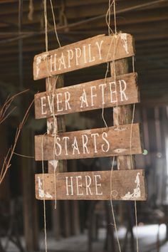 4 Rustic Country Wedding Ideas For Unique Weddings Pallet Wedding, Rustic Wedding Signs, Diy Wedding, Perfect Wedding, Dream Wedding, Wedding Ideas, Wedding Inspiration, Wedding Country, Country Weddings