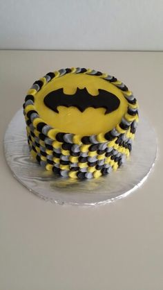 Simple buttercream batman cake design :)