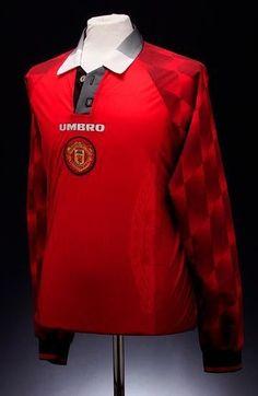 50bbf8124 Manchester United (Home Shirt) Classic Football Shirts