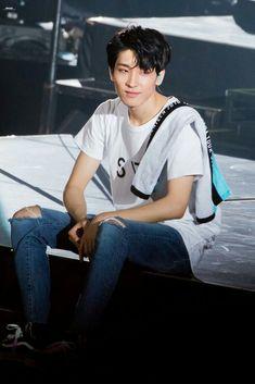 Seventeen Wonwoo aka my husband Mingyu Wonwoo, Seungkwan, Woozi, Hip Hop, Jeongguk Jeon, Won Woo, Mingyu Seventeen, Seventeen Wallpapers, Pledis 17