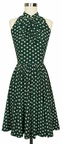 Retro Dresses The Trashy Diva Streetcar Dress is back in the new Irish Polka print! Vintage Outfits, Vintage Inspired Dresses, Retro Outfits, Vintage Dresses, Rockabilly Mode, Rockabilly Fashion, Retro Fashion, Vintage Fashion, The Dress