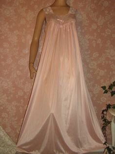 Pink Vanity Fair vintage nightgown lace bodice
