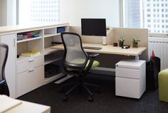 A Knoll oferece #workplaces disponíveis na Escinter! Confira na www.escinter.com.br