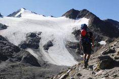 7 spektakuläre Hochtouren in den Alpen – TRAVELBOOK Mount Everest, Mountains, Travel, Mountain Climbing, Alps, Timber Wood, Viajes, Destinations, Traveling