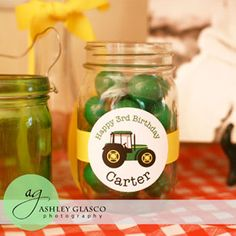 mason jars with round circle labels for food table