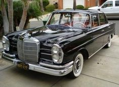 Learn more about Black-Plate 1961 Mercedes Benz Sedan on Bring a Trailer, the home of the best vintage and classic cars online. Mercedes Benz 220, Old Mercedes, Classic Mercedes, Mercedes Benz Cars, Mercedes Sedan, Best Classic Cars, Classic Cars Online, Mercedez Benz, Daimler Benz