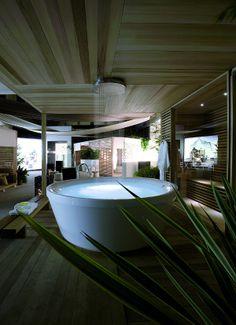 GEO 180 #bathtub designed for KOS + SOFFIONE XL designed for Zucchetti   #Palomba #design