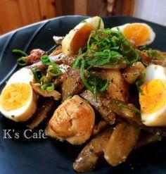 根菜がおいしい季節となりました。中でも「ごぼう」は、「鶏肉」との組み合わせが抜群!それぞれの旨味を引き立て合うベストパートナーです♪「煮込み料理」にすれば、これから寒くなる季節にピッタリな一品が出来上がりますよ。 ■鶏肉とごぼうのうま煮  麺つゆで簡単☆鶏肉とごぼうのうま煮♡マヨがキメテby K's Cafeさん 15~30分 人数:4人 鶏肉に焼き目を付けたら、ごぼうも入れて麺つゆで煮ていきます