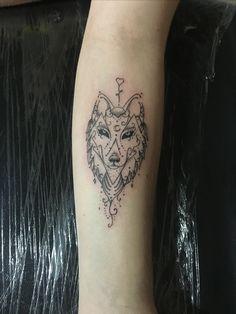 Ornamental tattoo, Lobo ornamental , delicada tattoo, fine line tattoo, traço fino tattoo, tatuagem feminina , tatuagem delicada , Wolf tattoo