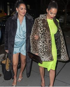 Double Trouble💖 Bella Sisters, Twin Sisters, Nikki And Brie Bella, Western Look, Double Trouble, Dancing With The Stars, Wwe Superstars, Fur Coat, Twins