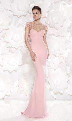 (Foto 4 de 32) Eslina: traje de fiesta 2015 en color rosa empolvado y con escote de fantasía, Galeria de fotos de Fiesta 2015: La vida en color de rosa