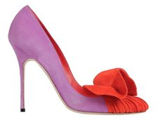 """The exhibition will move from Milan to the Hermitage in Saint Petersburg, the Kampa Museum in Prague and the Museo Nacional de Artes Decorativas in Madrid as Manolo Blahnik's tribute to his homeland, to end in 2018 at the Bata Shoe Museum in Toronto. Exhibition """"Manolo Blahnik, The Art of Shoes""""  from 26 January to 09 April 2017 curated by Cristina Carrillo de Albornoz sponsored by Municipality of Milan 