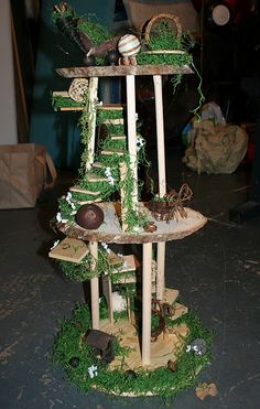 Awesome homemade Christmas presents! A fairy house and a Tangled themed peg people playset!
