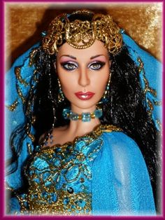 Cher Barbie repaint...amazing!!
