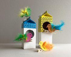 The colorful birds get their own bird feeder! - Schaerestei paper: The colorful birds get their own bird feeder! Kids Crafts, Diy And Crafts, Paper Crafts, Fall Arts And Crafts, Arts And Crafts Movement, Happy Hanukkah, Fabric Birds, Colorful Birds, Bird Feeders