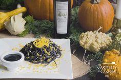 Espaguetis negros con queso naranja, contraste de colores | Castillo de Canena