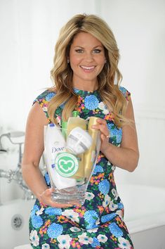 'Fuller House' actress Candace Cameron Bure promotes a new recycling initiative. Actress Candace Cameron Bure joins forces with Unilever to encourage Americans to rethink recycling and recycle their empty bathroom product bottles, on April - 1 of 4 Candace Cameron Bure Family, Candice Cameron Bure, Light Blonde Highlights, Dark Blonde Hair, Candance Cameron, Cameron Hair, Dj Tanner, Denim Romper, April 26