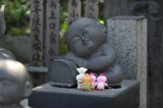 Child statues - Japanese temple