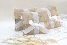 Hey, I found this really awesome Etsy listing at https://www.etsy.com/pt/listing/203294842/rustic-favor-bags-country-wedding-favors