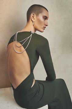 L'express November 2015 –  Photography: Emma Tempest.   Styled by: Mika Mizutani.   Makeup: Karim Rahman.   Hair: Alessandro Rebecchi.   Model: Soekie Gravenhorst.