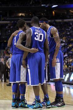 "NCAA Kicks: Julius Randle rocks the Nike Kobe 9 Elite ""Perspective"" as Sweet 16 is set | KicksOnFire.com"