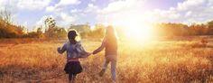 paroles-sagesse-amitie-confucius Trois sortes d'amitié sont profitables : l'amitié des honnêtes gens, des gens sincères et des gens avisés.  Trois sortes d'amitié sont dommageables : l'amitié des flatteurs, des hypocrites et des discutailleurs.  Confucius