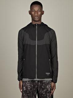 Nike Gyakusou Men s Lightweight Jacket in black Mens Lightweight Jacket c810df8cda78c