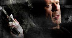 Osaczony (2005) Hostage Ekranizacja powieści Roberta Craisa pod tym samym tytułem. Bruce Willis gra Jeffa Talleya – negocjatora policyjnego, który po przeżyciu osobistej tragedii rezygnuje z dotychczasowej pracy w Los Angeles. Decyduje się na objęcie stanowiska szeryfa w małym miasteczku w hrabstwie Ventura. Pewnego ranka jednak, dostaje meldunek o napadzie i zmuszony jest ponownie odegrać rolę negocjatora. Życie Talleya – tak zawodowe, jak i osobiste – zmieni się bezpowrotnie. Bruce Willis, Film, Fictional Characters, Poster, Movie, Film Stock, Cinema, Fantasy Characters