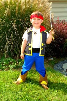 Is your child a big fan of Jake and the Never Land Pirates? Read to find step-by-step directions with pictures for creating a homemade Jake the Pirate costume for Halloween or fun dress up play. Pirate Halloween, Family Halloween Costumes, Halloween Party, Halloween 2013, Happy Halloween, Halloween Customs, Pirate Birthday, Pirate Party, Homemade Pirate Costumes