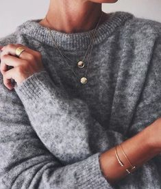 """Fashion Trends Accesories - glamorous-diamond: """"Sweater Necklace Bracelets """" The signing of jewelry and jewelry Uno de 50 presents its new fashion and accessories trend for autumn/winter Looks Style, Style Me, Style Blog, Circle Pendant Necklace, Mode Inspiration, Mode Style, Look Fashion, 90s Fashion, Fall Fashion"""